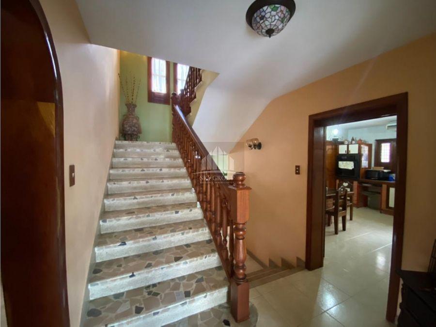 plc 713 casa en vales de camoruco de 470mts