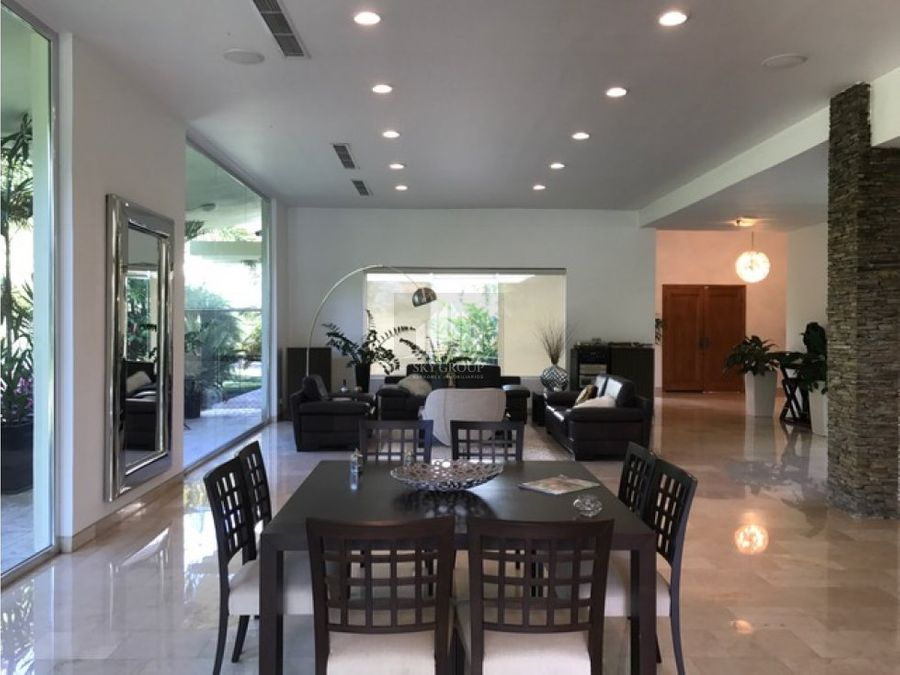 mac 330 casa hato royal 2500 m2