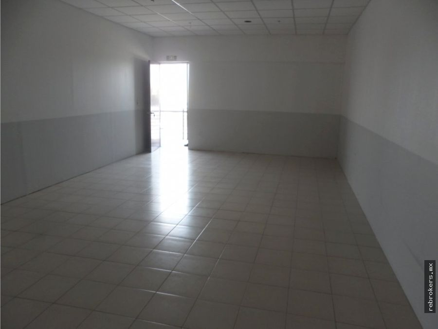 local renta plaza generaciones av juan pablo 2do