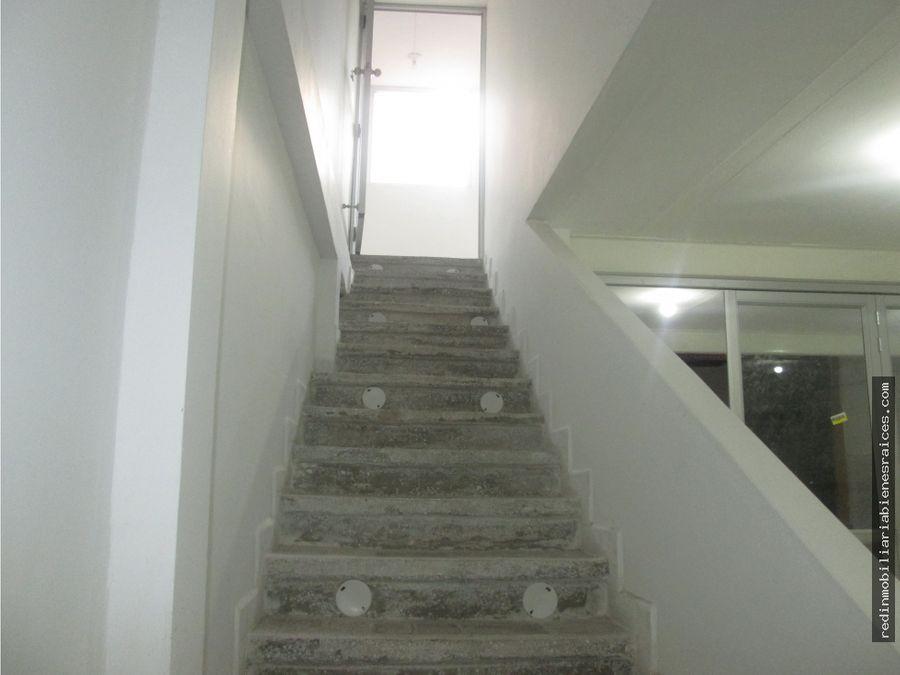 local 2 piso la aurora