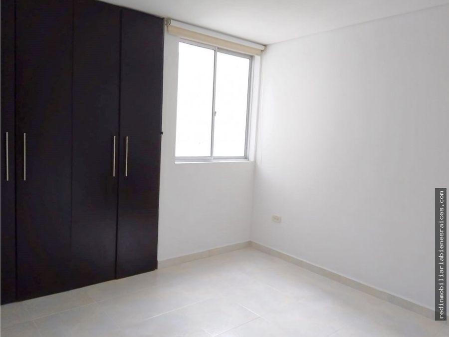 apartamento edificio romneya