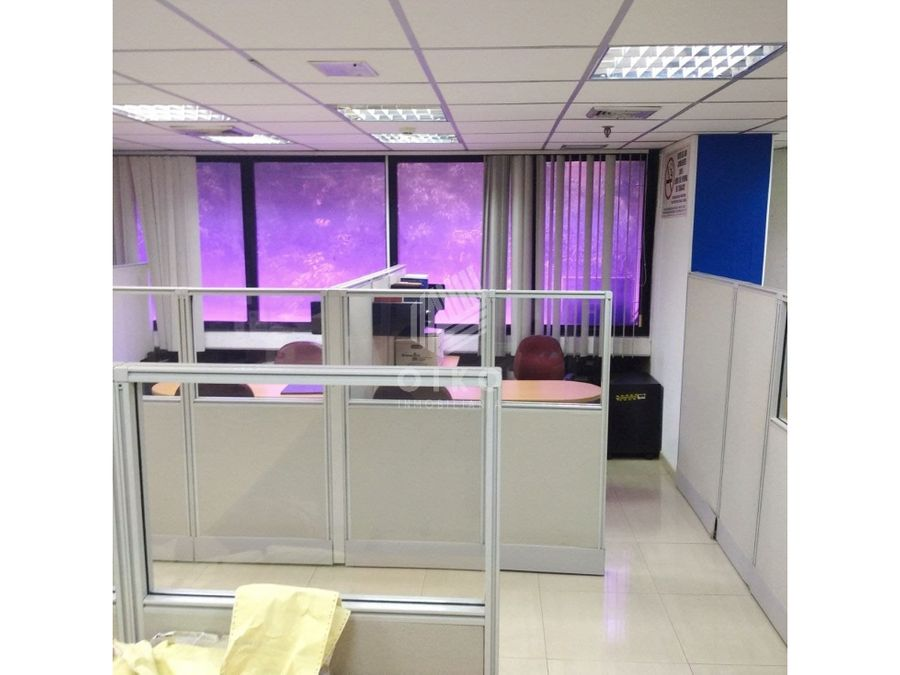 se vende oficina de 98 mts