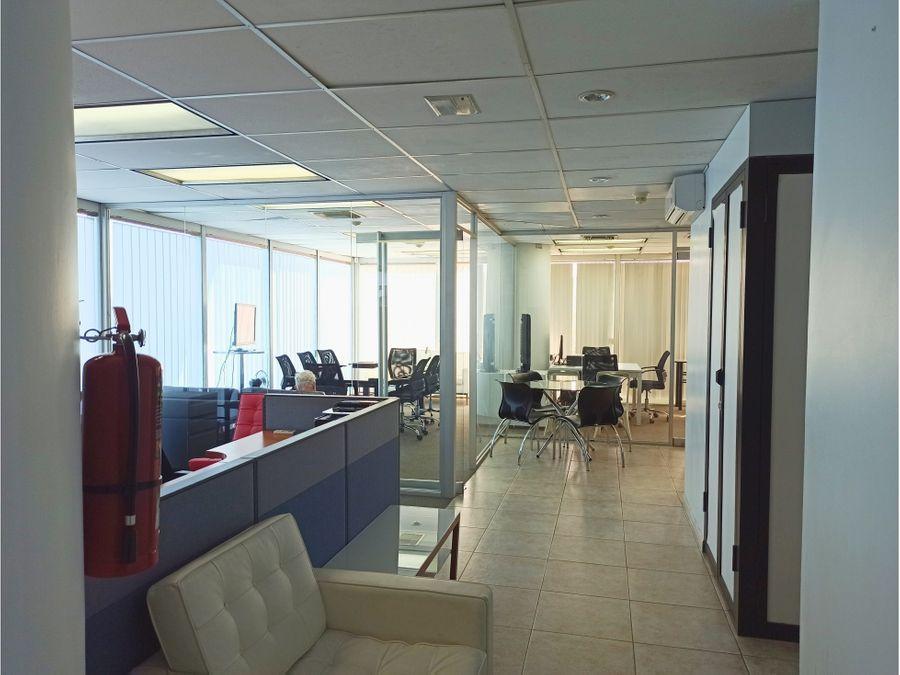 se alquila oficina en los palos grandes parque cristal de 115 mts