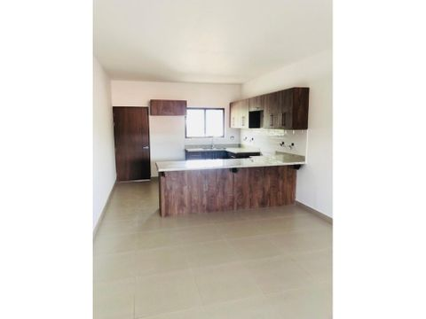 apartamento en rohrmoser amplio y nuevo a0996