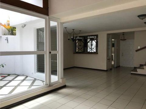 casa en rohmoser amplia y con excelente ubicacion a1101