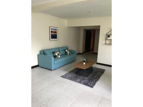 apartamento en rohrmoser amoblado y con servicios a0296