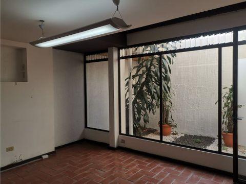 casa en sabana amplia con uso de suelo mixto a0737