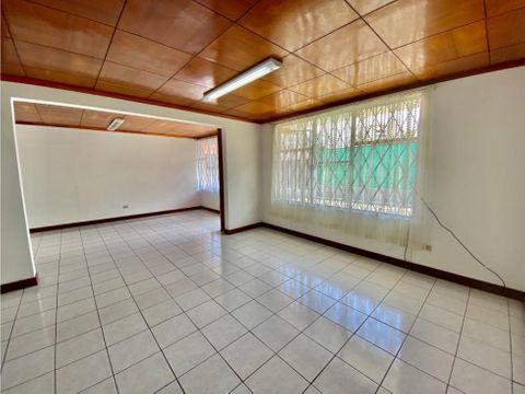 casa en sabana muy amplio con buena ubicacion a1089