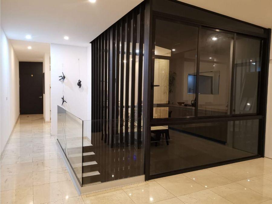 venta de lujosa casa en condominio en escazu