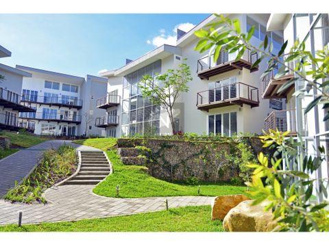 alquiler apartamento con jardin en rio oro santa ana