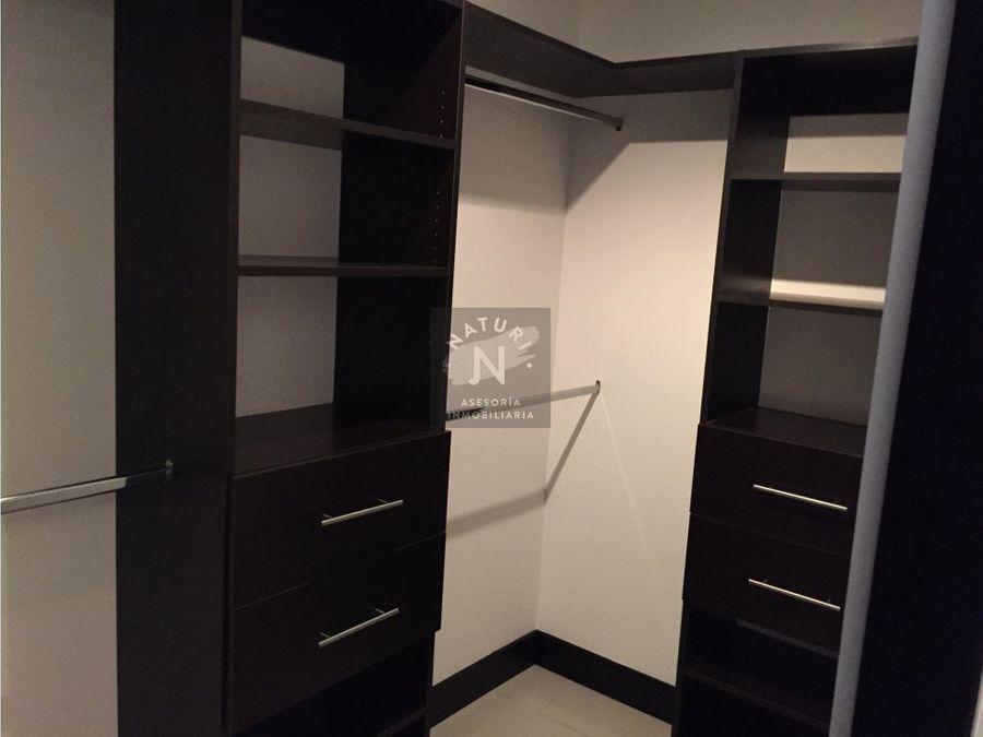 venta apartamento amoblado en montesol santa ana