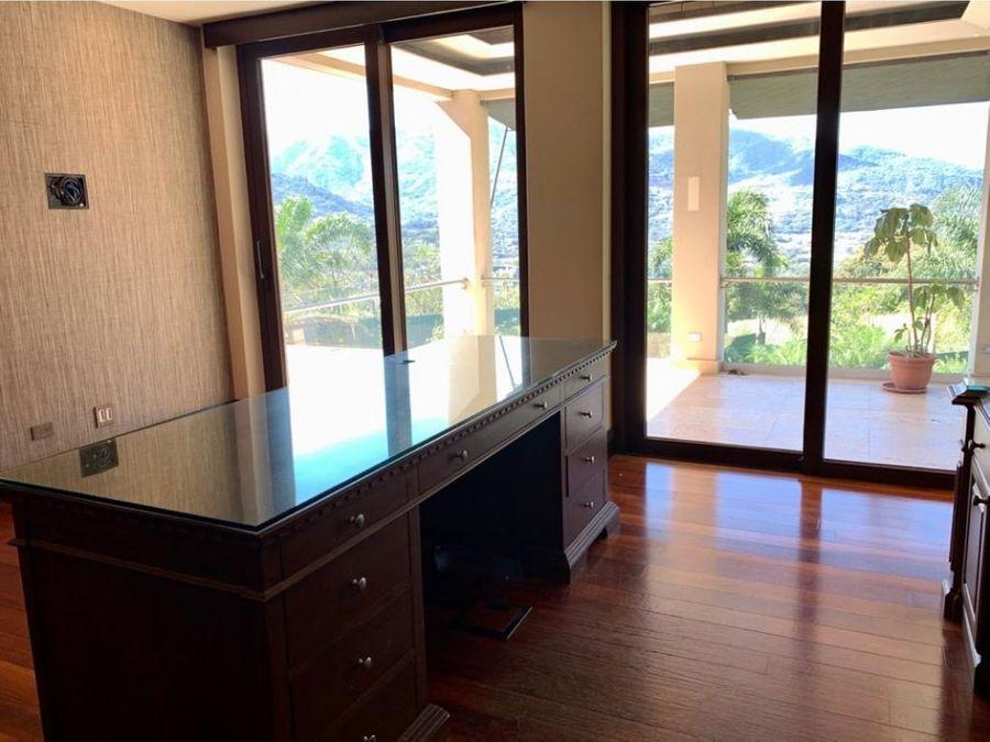venta de residencia en villa real pozos santa ana