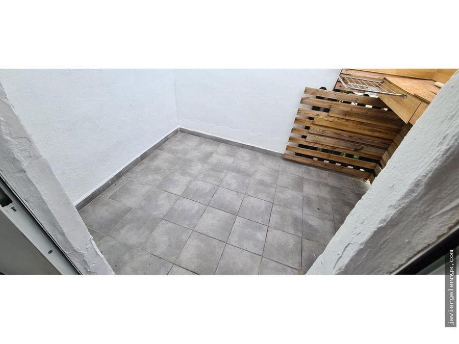 piso techo libre en portocristo pequeno patio y balcon