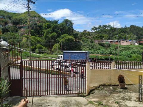 casa sector jose gregorio hernandez via los teques san pedro