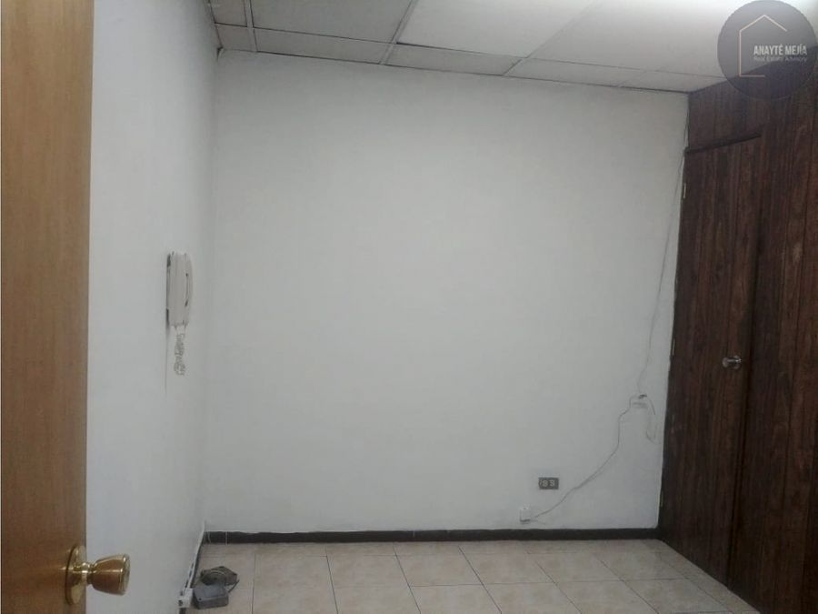 oficina en alquiler centro comercial de la zona 4