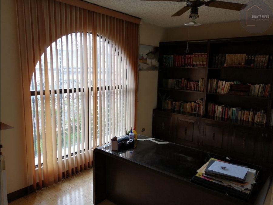 casa en venta en colonia aurora 1 en zona 13