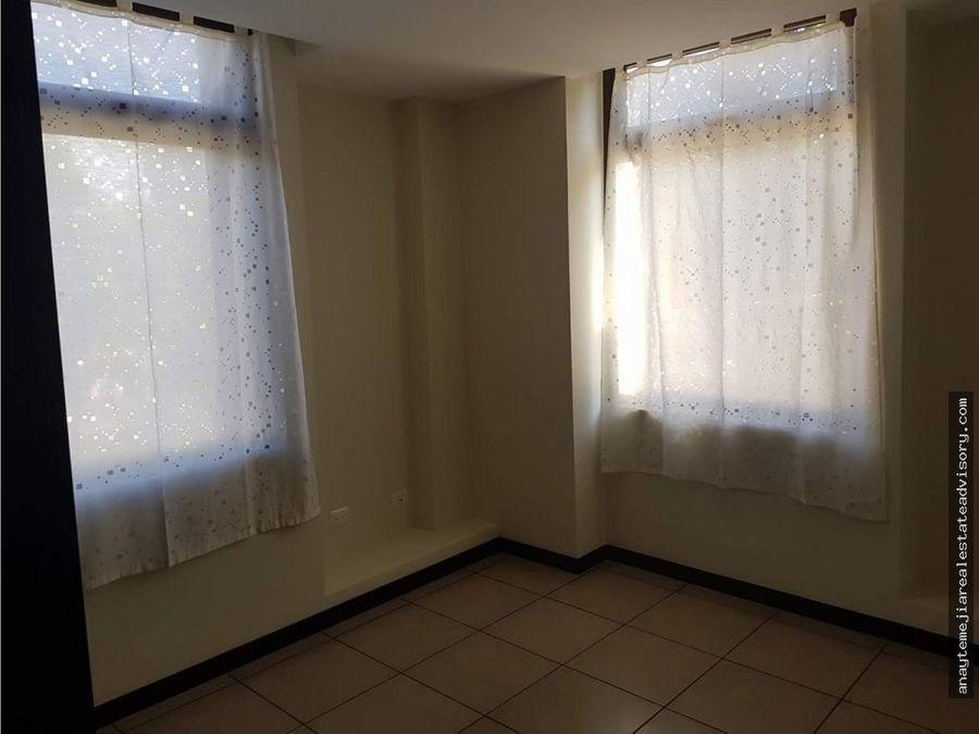 apartamento en renta zona 9 edificio barcelona