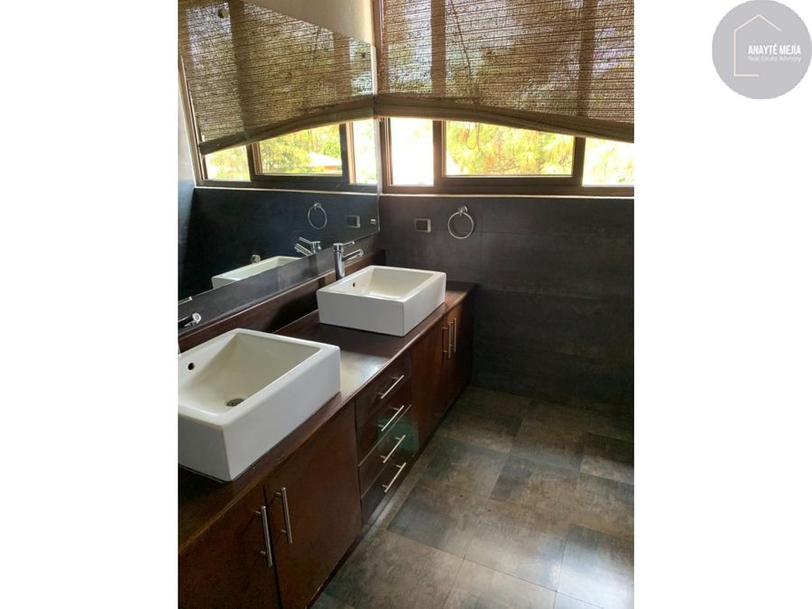 casa en venta en condominio san gabriel muxbal