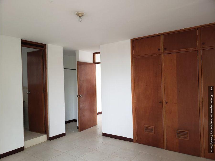 alquilo apartamento zona 15 vh i