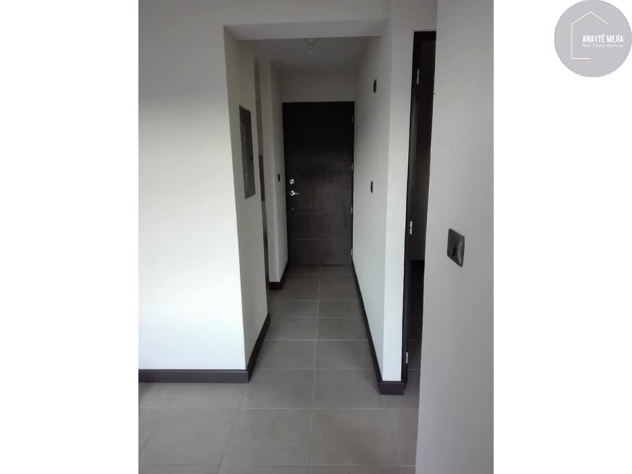 apartamento en renta edificio el vertical zona 13