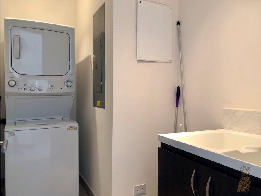 se alquila apartamento amueblado en escazu