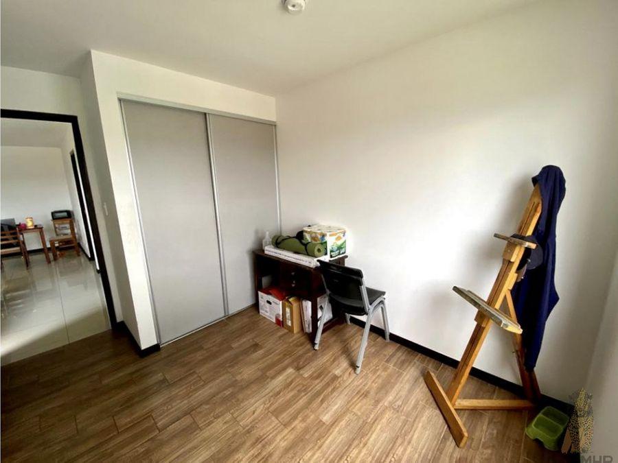 se alquilavende apartamento en condominio en curridabat