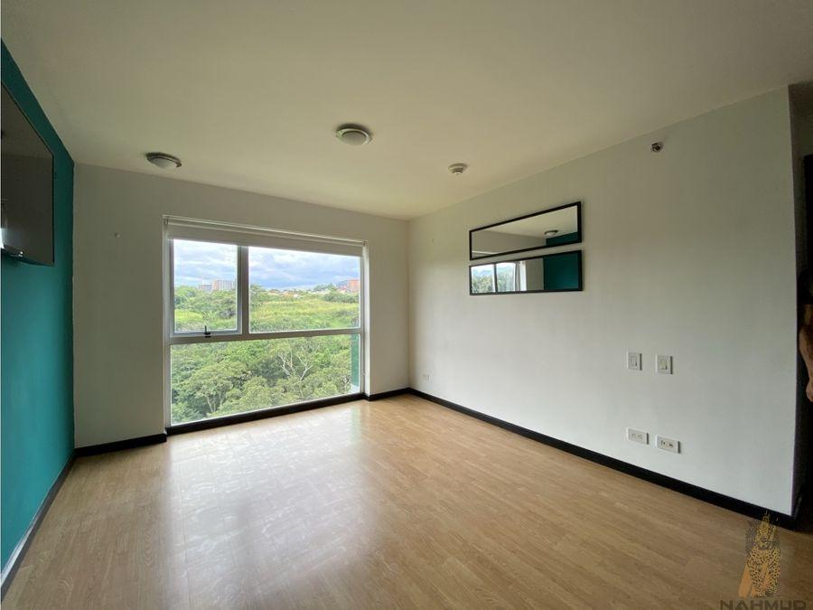 se alquila apartamento amueblado en rohrmoser
