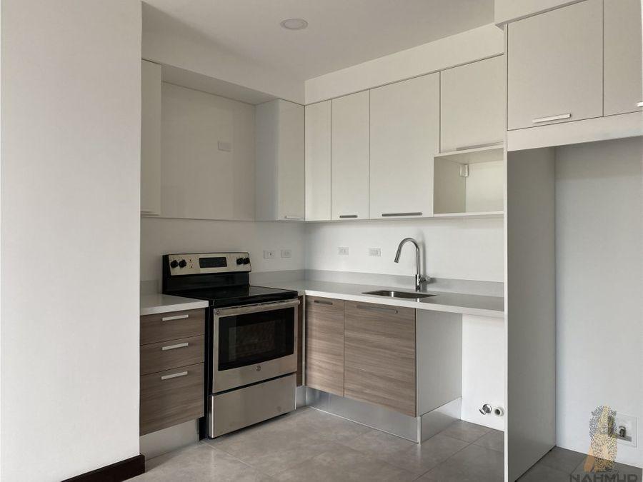 se vende apartamento en condominio en escazu