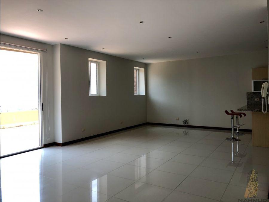 se vende apartamento en escazu