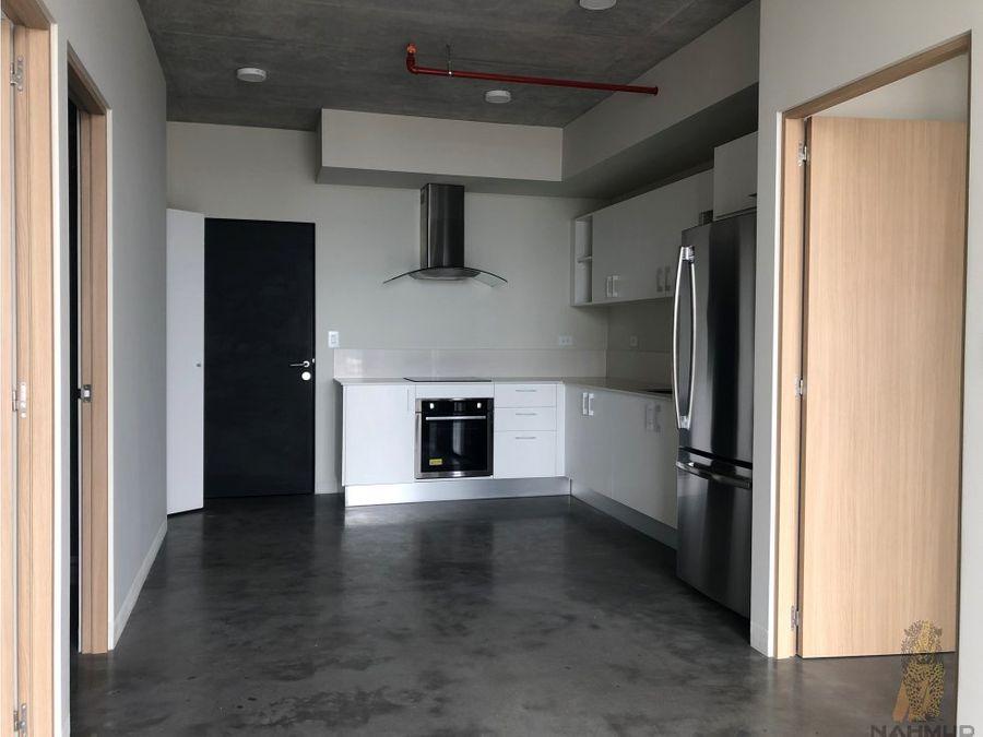 se alquila apartamento con lb en barrio escalante