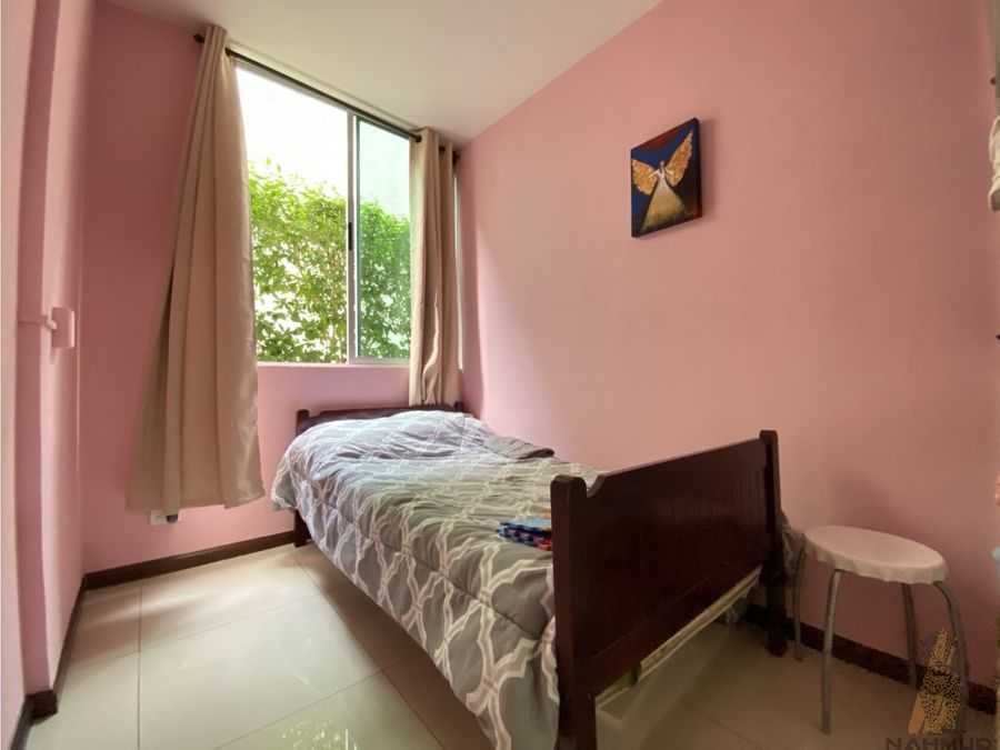 se vende apartamento en primera planta en san sebastian