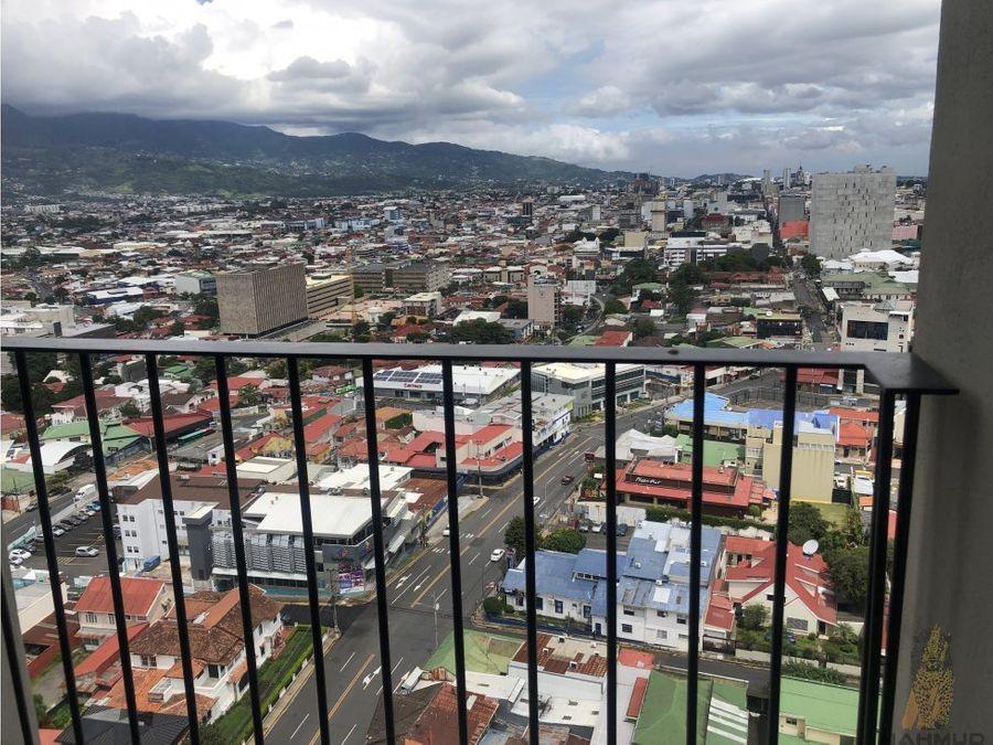 se alquila apartamento amoblado en barrio escalante