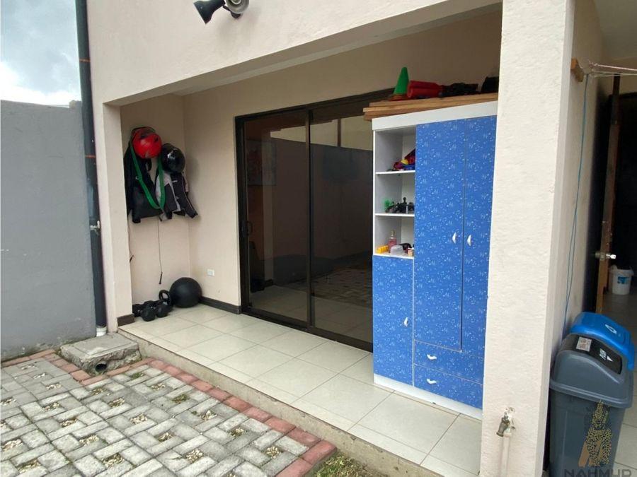se vende casa en condominio en cartago