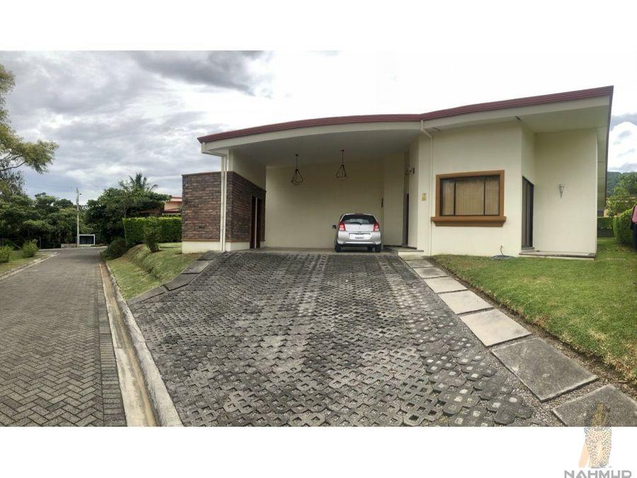 casa en condominio en venta en santa ana