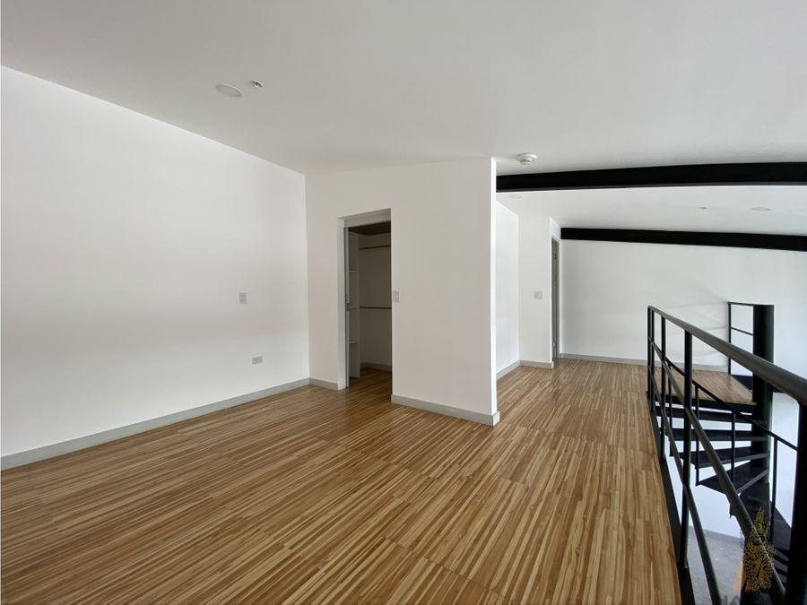 se alquila apartamento en condominio en escalante