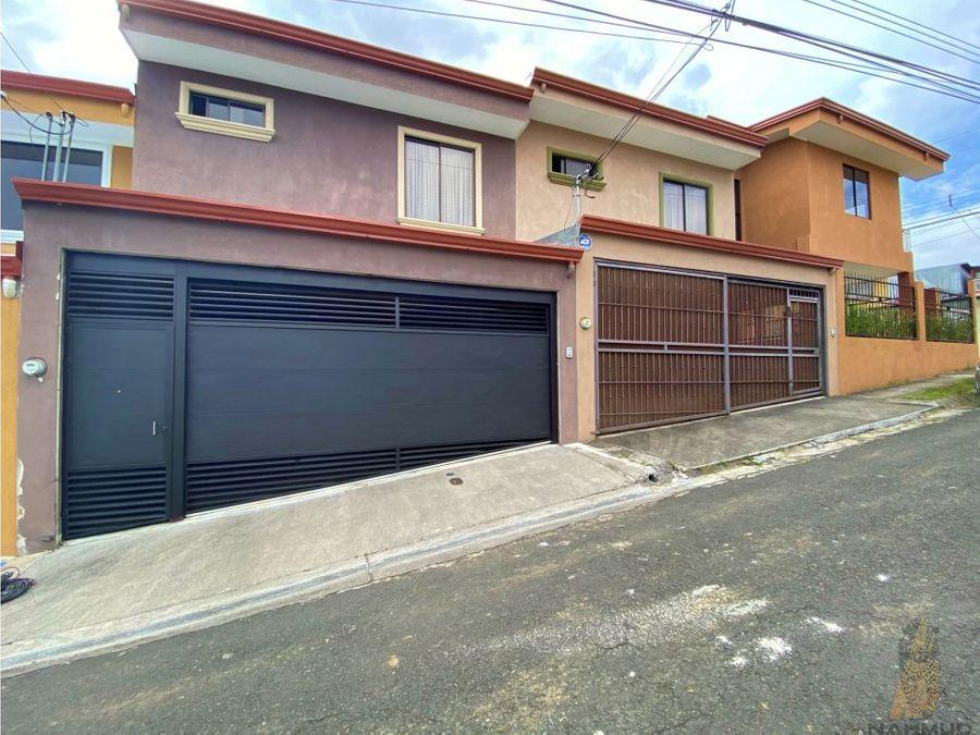 se vende casa en residencial en el carmen