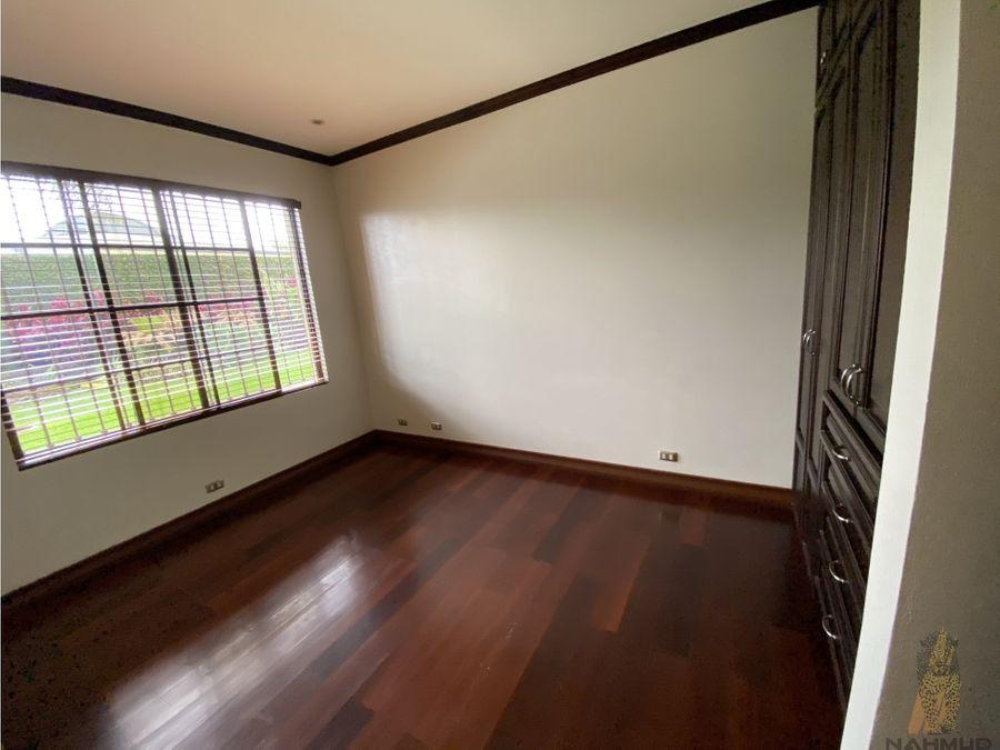 se vende casa en granadilla curridabat 1275 m2 de lote