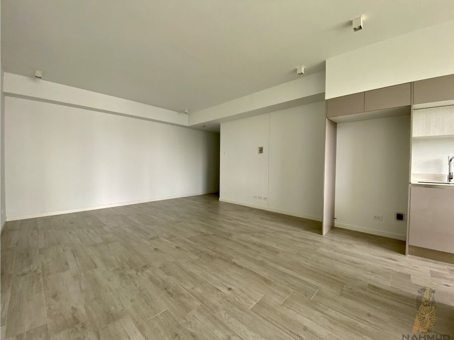 se vende apartamento en torre en rohrmoser