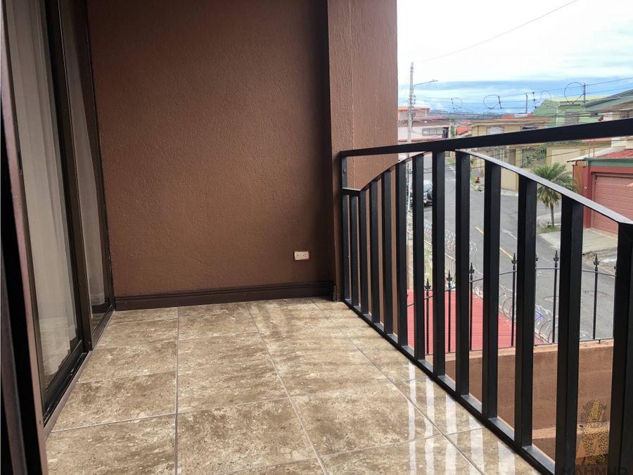 se vende casa en residencial la estancia en tres rios