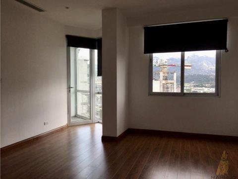 se alquilavende apartamento en nunciatura rohrmoser