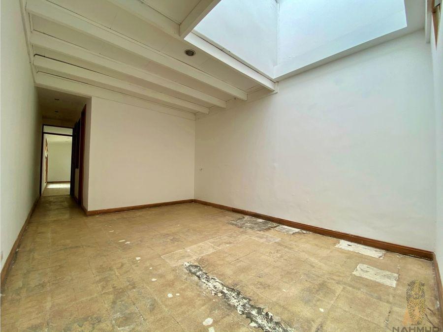 se alquila casa uso suelo mixto en barrio escalante