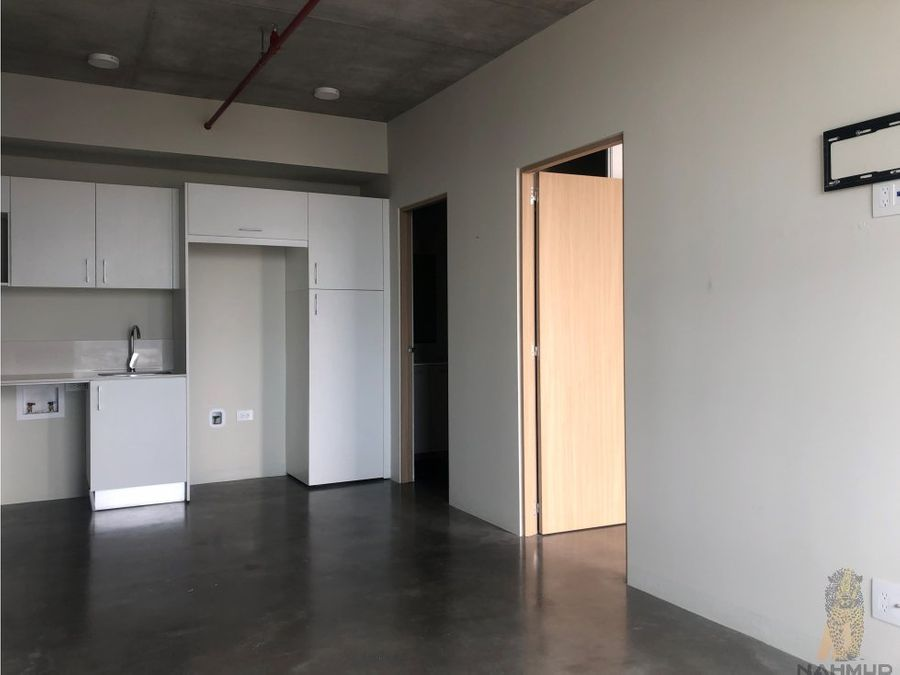 se alquila apartamento en barrio escalante