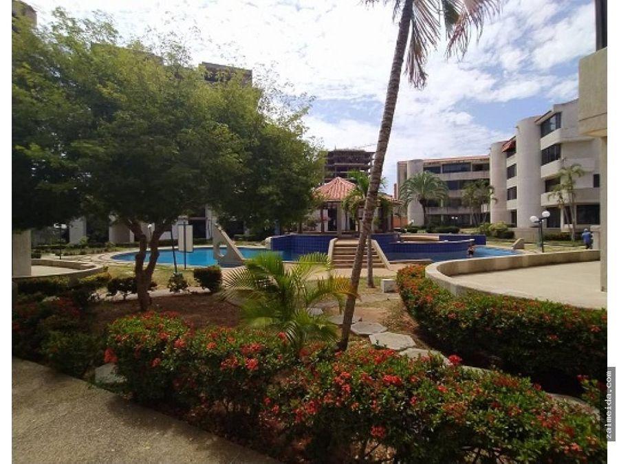 venta de apartamento en costa azul duplex