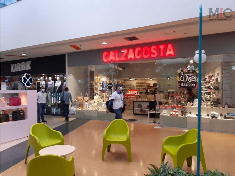 se arrienda local centro comercial soledad