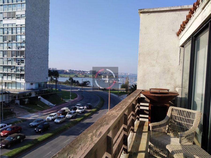espectacular penthouse sobre rambla armenia