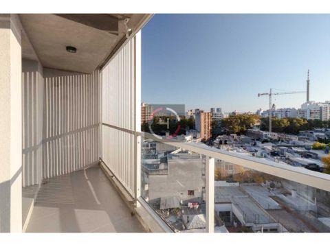 balcon cocina definida y garage excelente