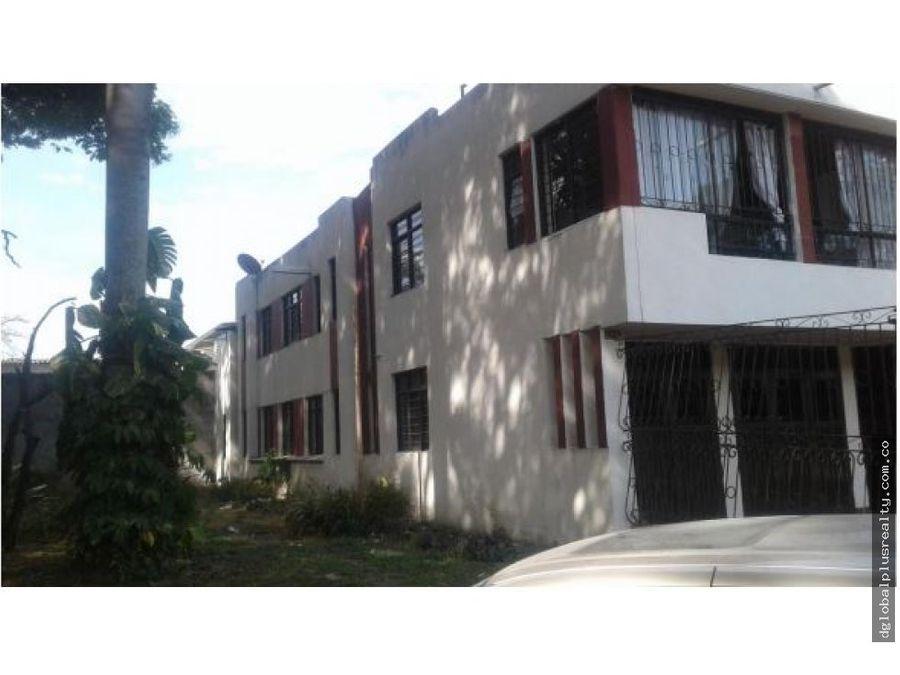 casa en vipasa 2 pisos con 3 apartamentos