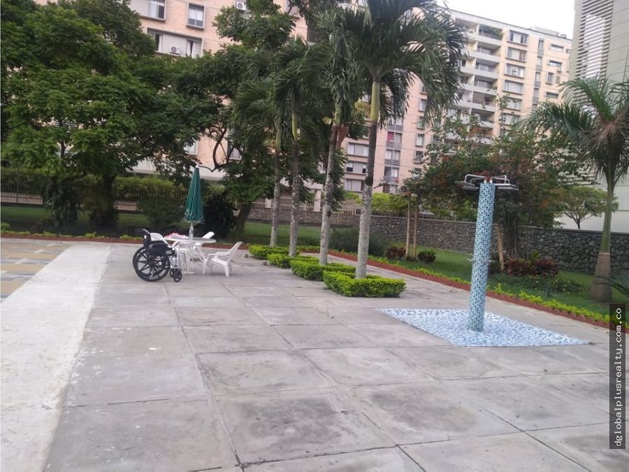 2 parqueaderos patio d la flora excelente se arriendan apartamento