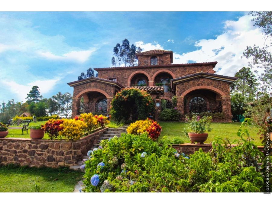 palacio toscano en villa etruria mesa de los santos santander colombia