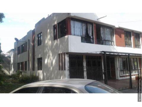 casa en vipasa 2 pisos con 3 apartamentos facil de negociar